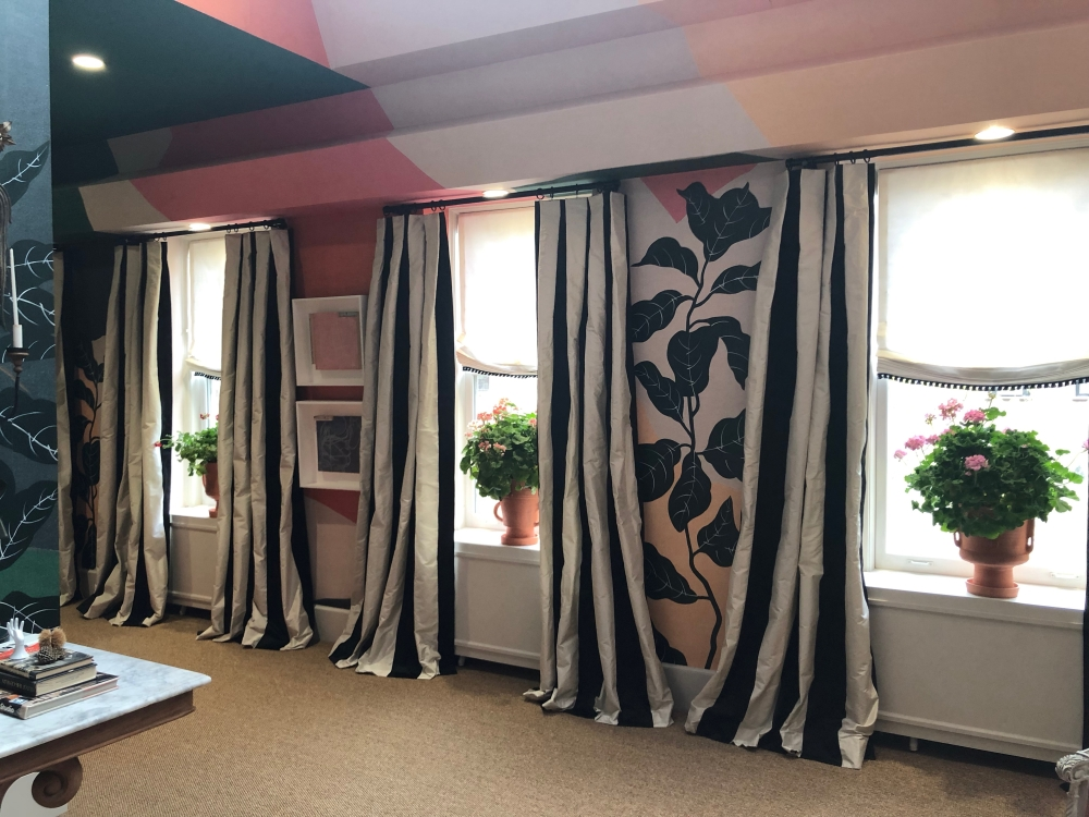 Hanging Curtains Without Hooks