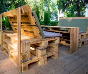 Pallet Couch Ideas And How To Make Them