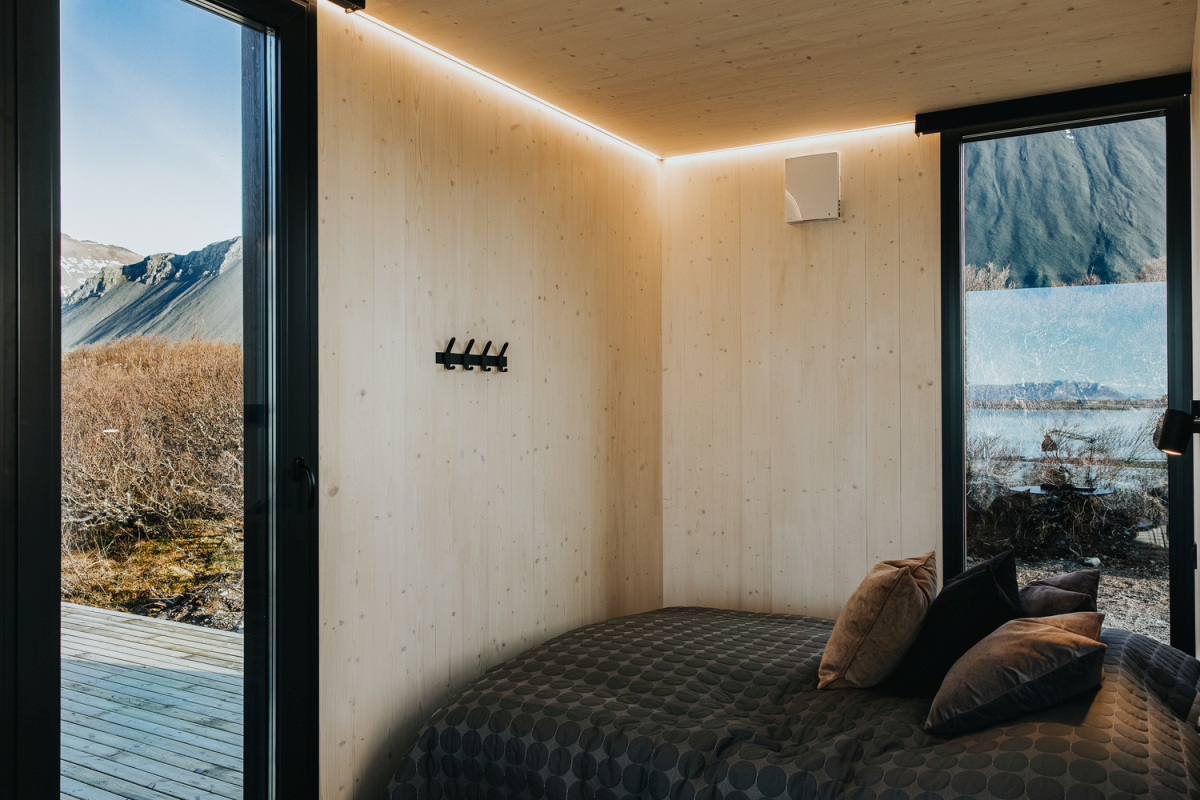 The house can be used all year round thanks to the insulation provided by the thermally-treated wood cladding